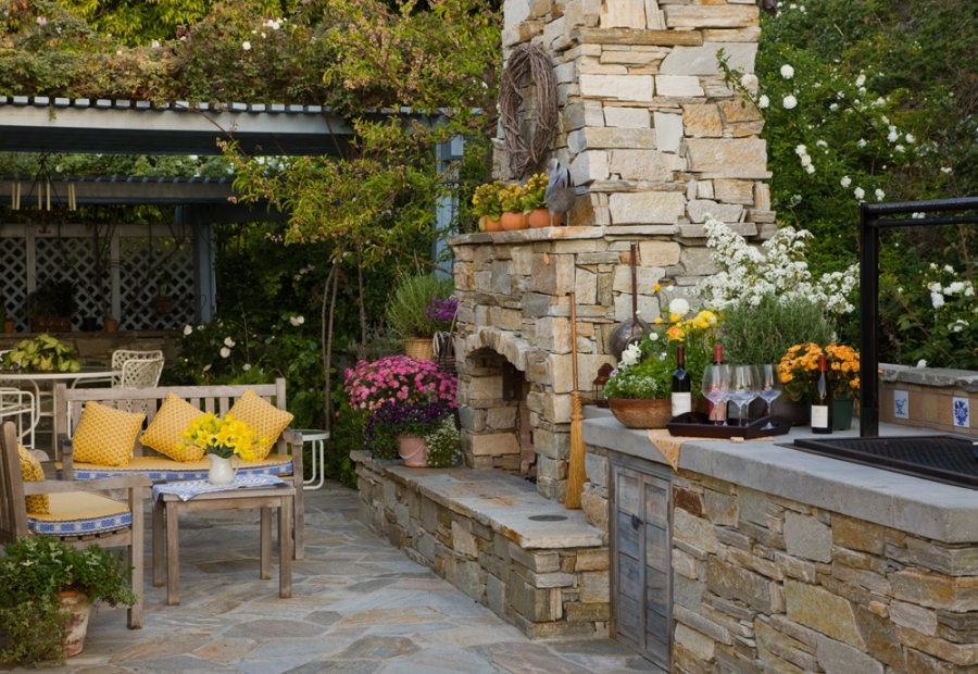 San Diego Outdoor Living Spaces: Outdoor Living And Outdoor Entertaining In A Comfortable